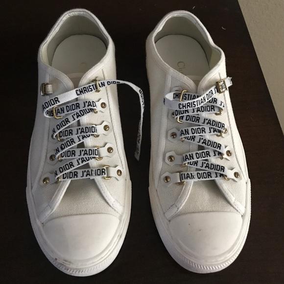 Walk'n'Dior low top Sneaker in white canvas Kvinners Walk N White Canvas Sneakers Poshmark